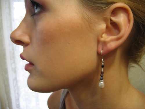 Pearl Drop Earring Garnets