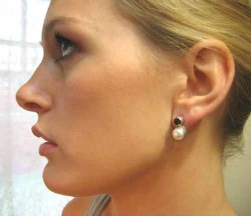 Laura Garnet and Pearl Earring Stud