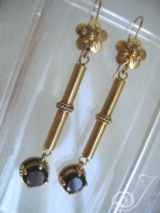 Franny Garnet Drop Earrings E079