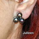 black 3 pearl clipon earring