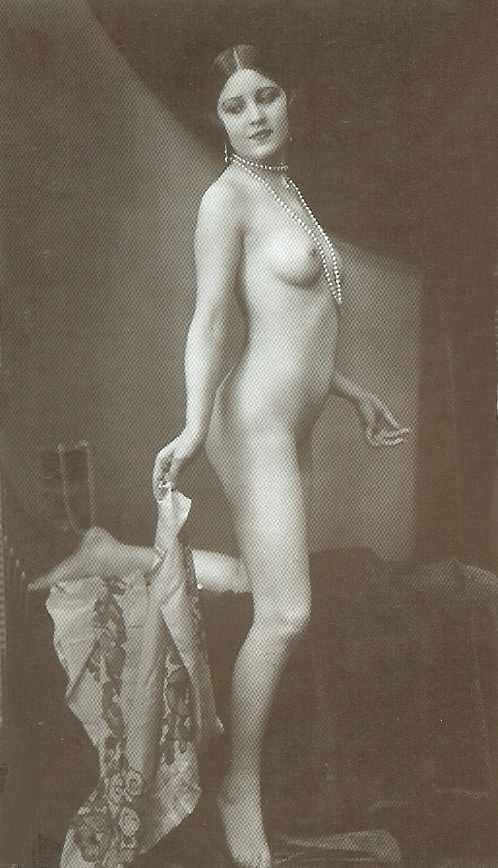 pearls nude