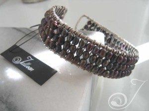 Black-Pearl-Cuff-Bracelet-VO051_B