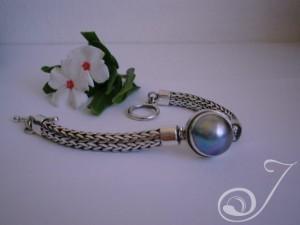 Blue-Mabe-Chunky-Bracelet-UB701-01