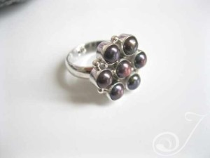 Flower-Ring-Black-RPR001