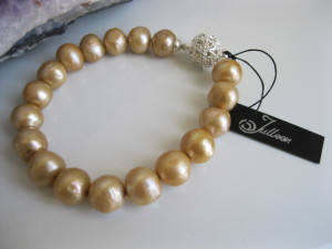 Gold-Pearl-Classical-Bracelet-BBC004