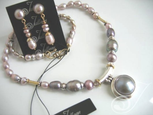 827df0c429169 Mauve Mabe Pearl Necklace Earrings Set