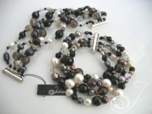 Mumbo-Combo-Pearl-Cuff-Bracelet-BR2200-02
