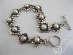 SuzieQ-Pearl-Bracelet-UB212_B