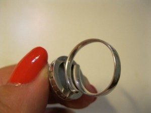 pearl-ring_back-300x225