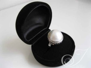 white-dove-mabe-ring-RPR005