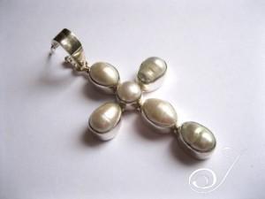 pearl cross3.