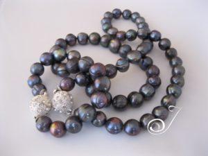 BS013-Big-Black-Pearls-Julleen