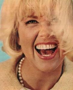 Doris-Day-with-Pearls-big-laugh