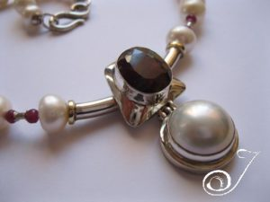 ruby_pearl_necklace-product-PD700.01