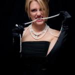 https://www.julleen.com/product/blue-topaz-shield-necklace/