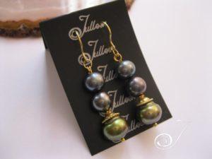 Green-and-black-pearl-drop-earrring-gold-julleen-E027.120