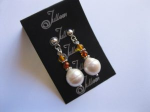 amber-pearl-earrring